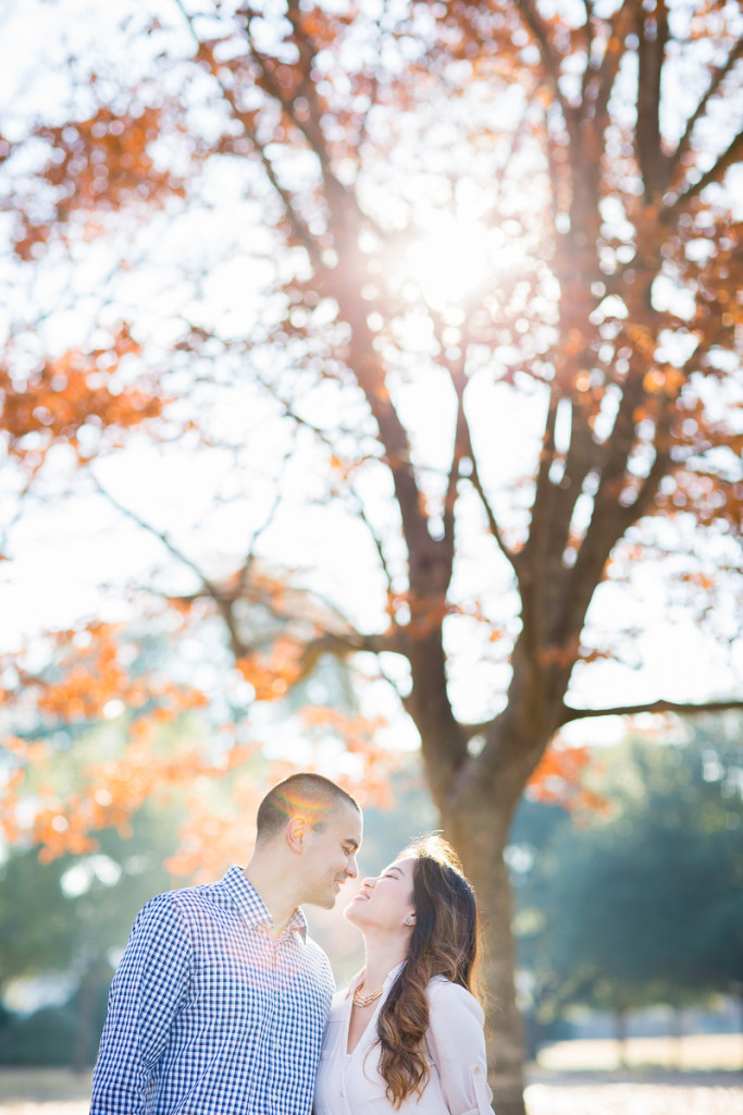 Fall Couples Photo Session in the Orange Leaves | www.hannahandrandall.com
